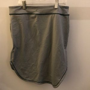 lululemon athletica Skirts - Lululemon moss green skirt, sz 8, 70296